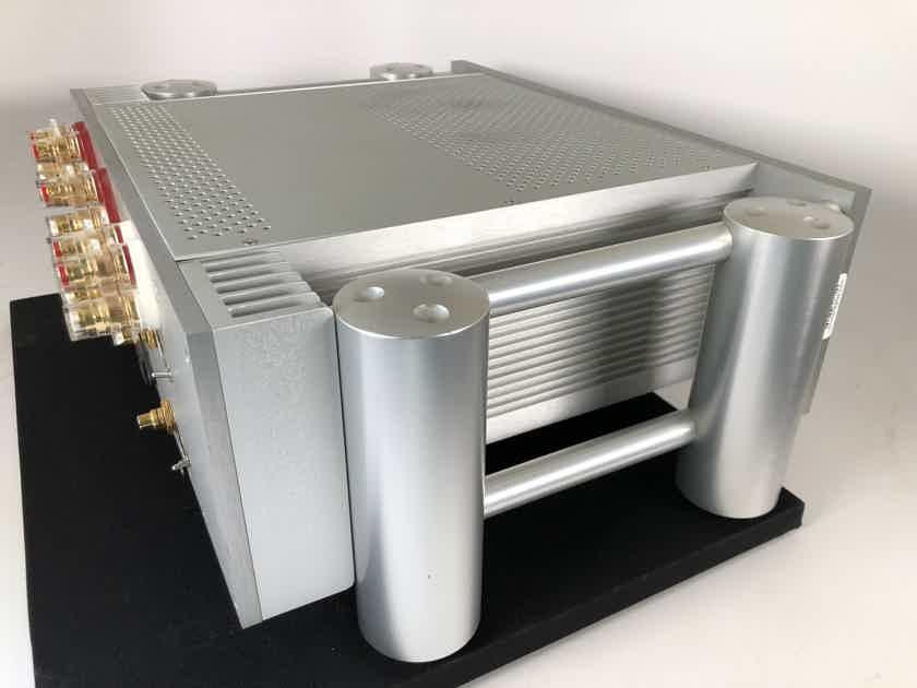 Chord SPM-2400 Multi-Channel Amplifier 5x135W