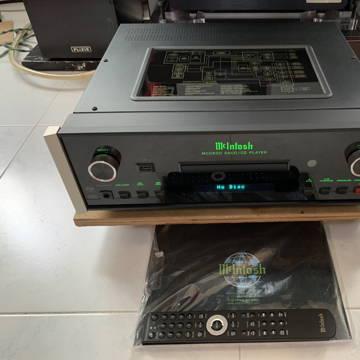 McIntosh MCD600 SACD/CD/USB Player (230v)
