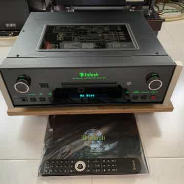 McIntosh MCD600 SACD/CD/USB Player (230v)