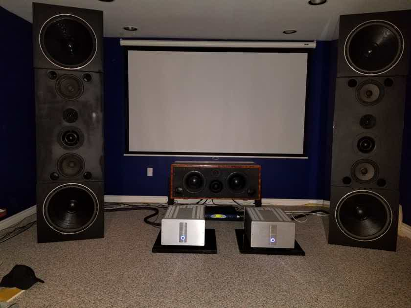 Krell EVO Pair silver 400 watt@8 ohm monoblocks.Update....amps are in Florida