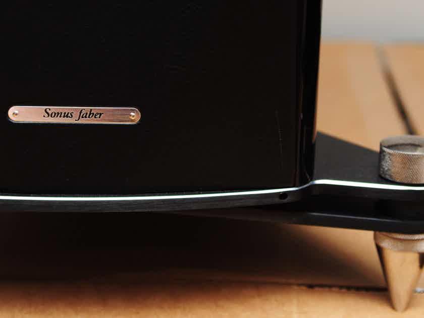Sonus Faber  Armati Futura  Rare Piano Black Finish