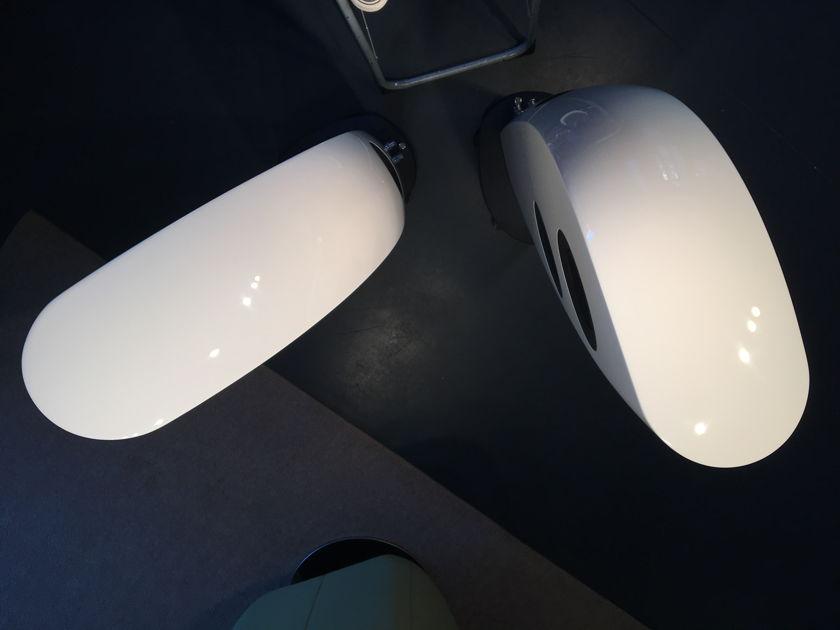 KEF Blade 2 Gloss White, floorstanding reference loudspeaker