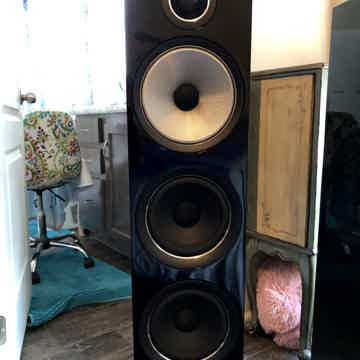 Bowers & Wilkins 704-S2
