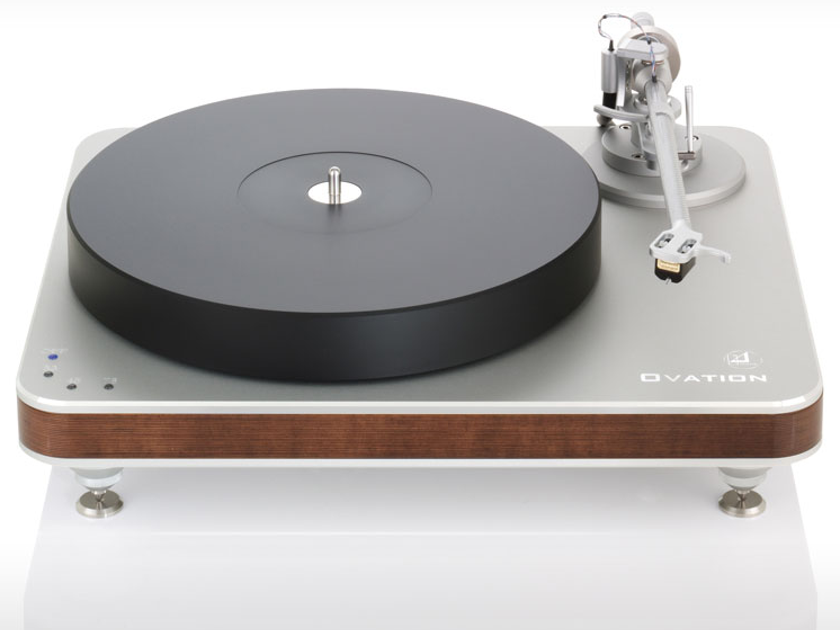 Clearaudio Ovation Turntable w/ Magnify Tonearm