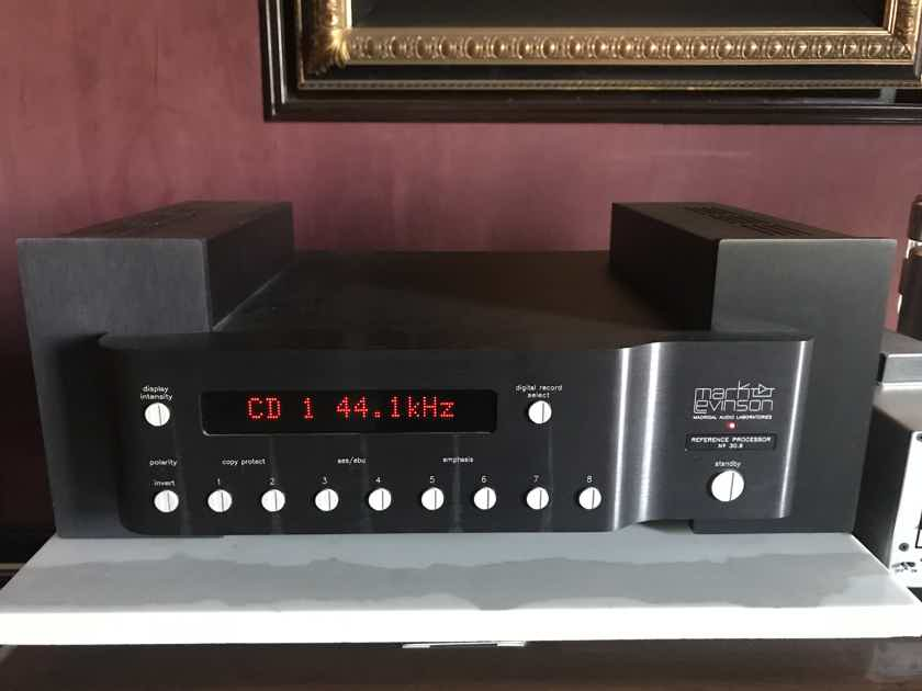 Mark Levinson  30.6 DAC  With 330 power supply