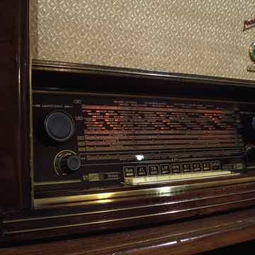 Stern Rochlitz Stradivari FM Tube Radio Fully Restored