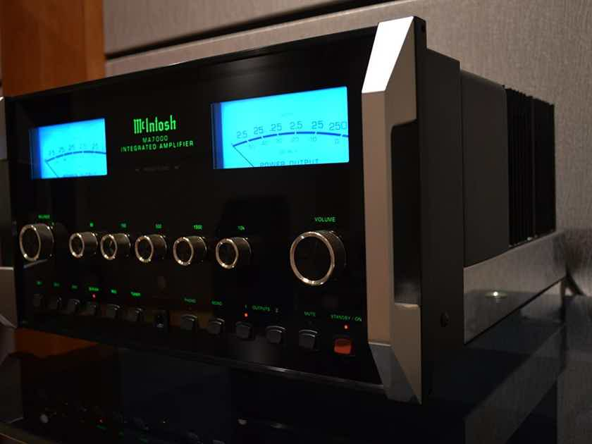 McIntosh MA7000 High Power Integrated Amplifier w/ Phono Input, 250 WPC
