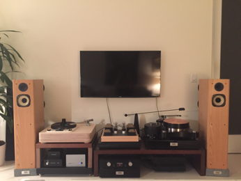 My NYC apartment hifi