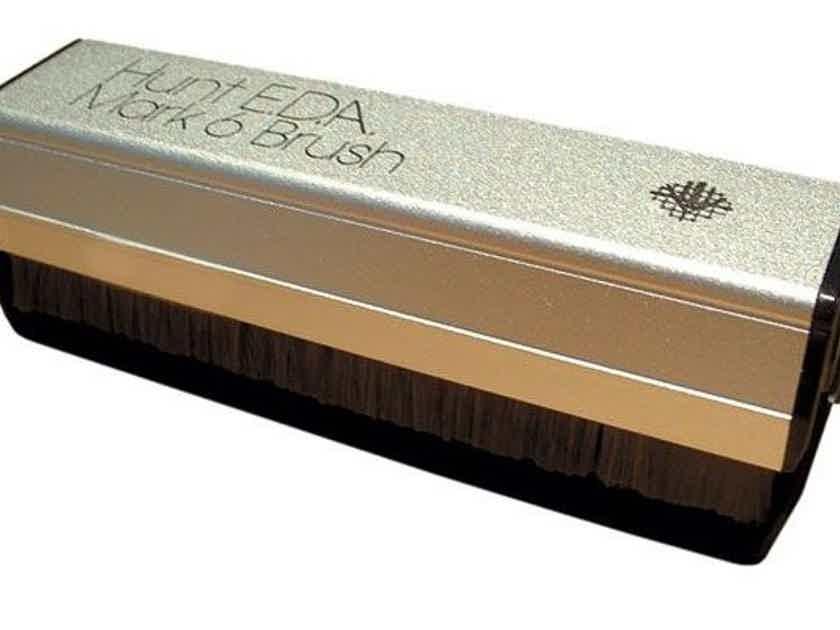 Hunt EDA Record Brush & Zerostat Gun Package - Open-box -- (20% Off at JaguarAudioDesign.com!)