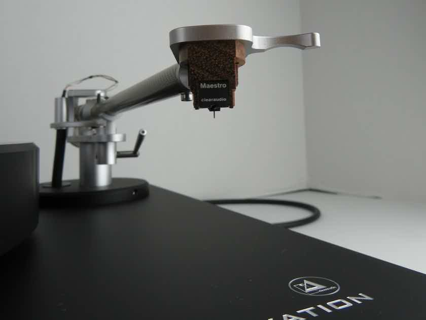 Clearaudio Ovation /Clarify Tonearm and Maestro Wood