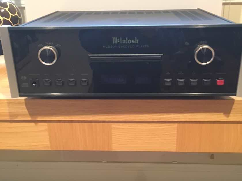 McIntosh MCD-301 CD/SACD Player