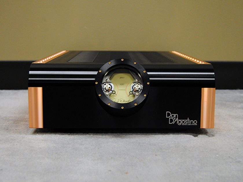 Dan D'Agostino Momentum Stereo Amplifier in Black