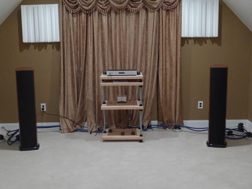Aerial Acoustics 7T Speaker   Customer trade in !!