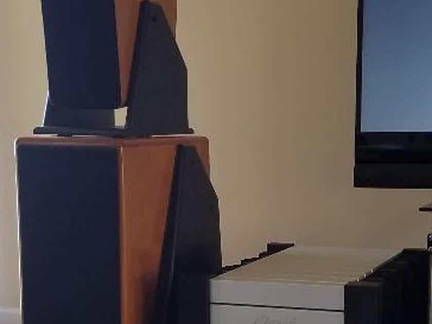 Von Schweikert Audio VR-6 Full range speaker system