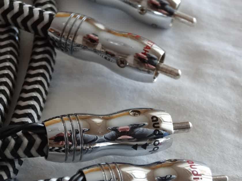 AudioQuest Cheetah 1.5 metre RCA pair /w 72v DBS
