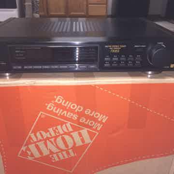 730ES AM/FM Tuner