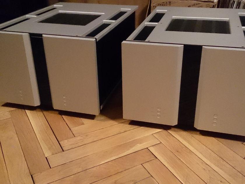 VITUS AUDIO SM-102  Signature Power Amplifiers, rare power amp