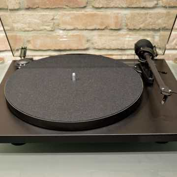 Pro-Ject Audio Systems Essential II