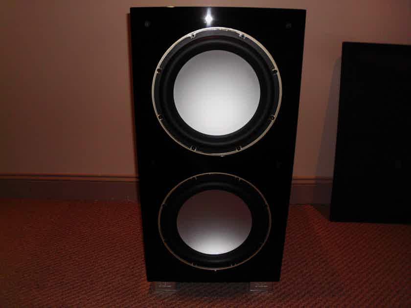 REL Acoustics 212SE Piano Black Subwoofer