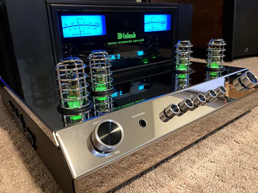 McIntosh MA352 Integrated Amplifier complete w/retail box