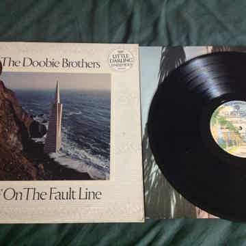 The Doobie Brothers - Livin' On The Fault Line Warner B...