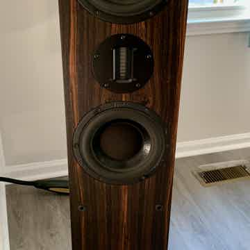 ProAc D48R - Ebony finish - Freight shipping included!