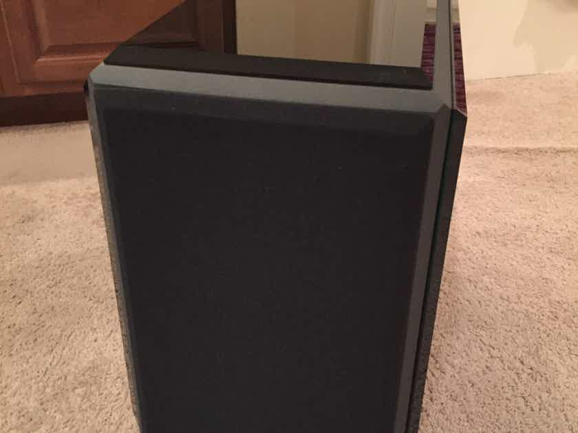 Reference 3A Reflector monitors Mint customer trade-in