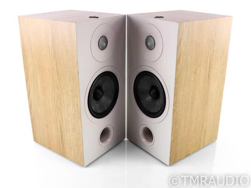 Focal Chora 806 Bookshelf Speakers; Light Wood Pair (27017)