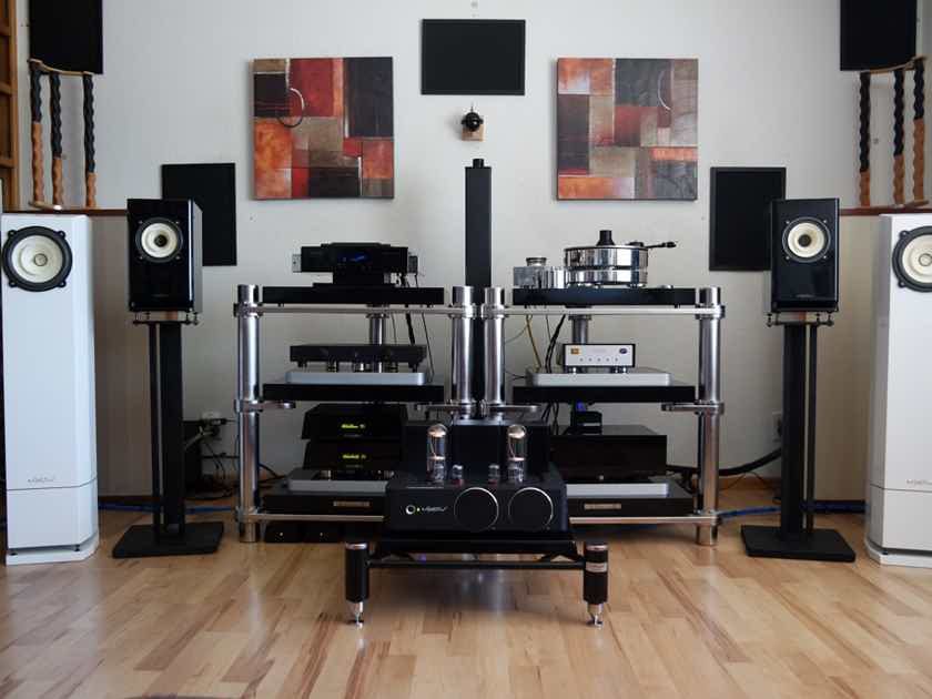 Voxativ T-211 integrated amplifier - milled out of a 150 lbs. aluminum block