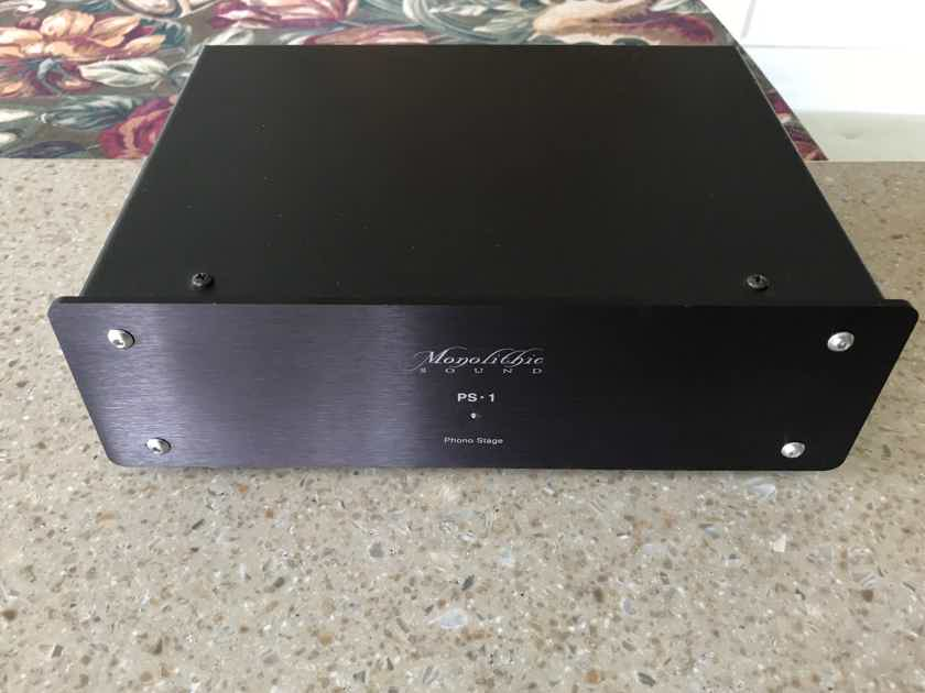 Monolithic Sound PS-1 phono stage and HC-1b power supply