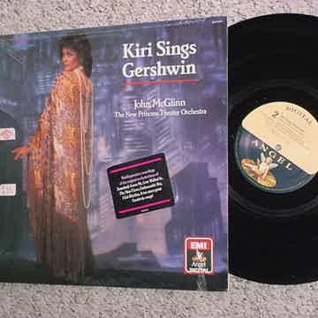 sings Gershwin John McGlinn new princess theatre