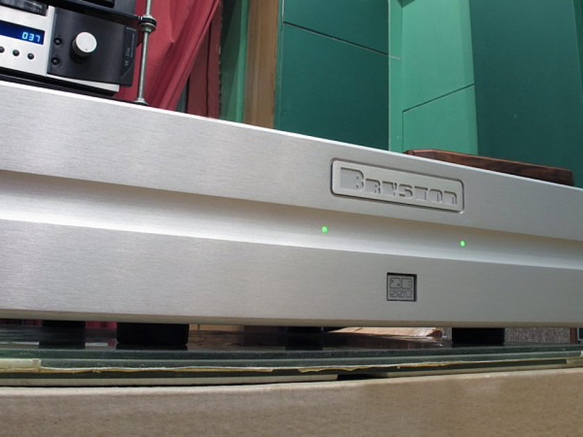 Bryston 2B SST - silver in mint condition