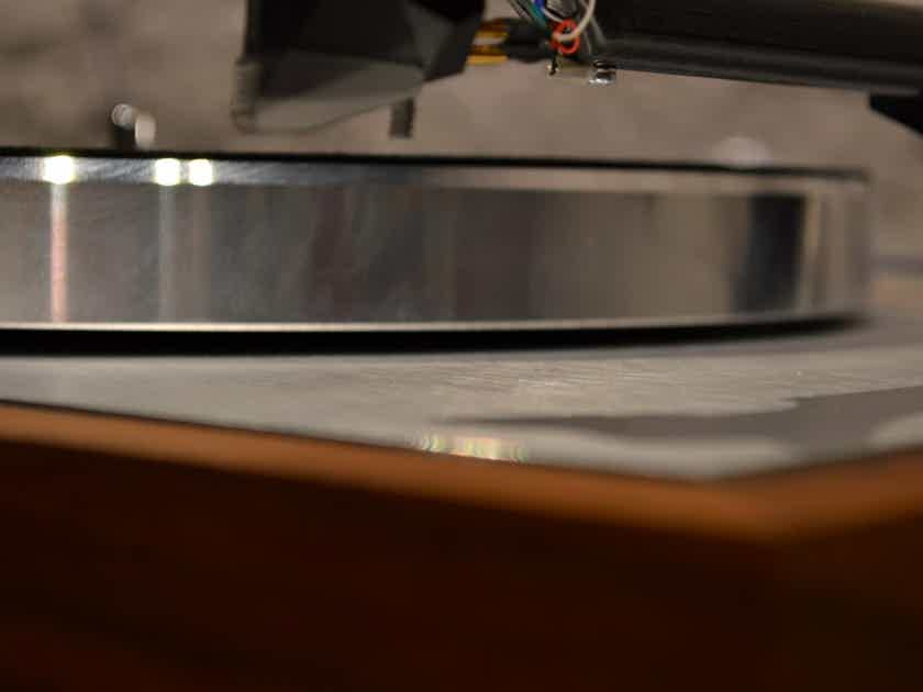 Pro-Ject Audio Systems The Classic DC - Walnut
