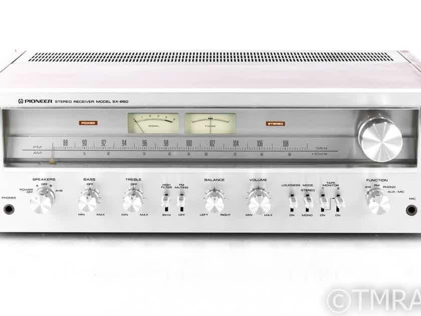 Pioneer SX-650 Vintage AM / FM Receiver; SX650; Phono; Walnut / Silver (21950)