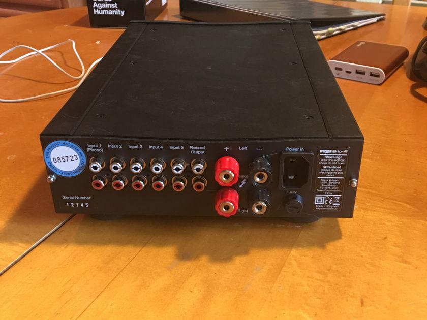 Rega Brio-R Black with remote and box