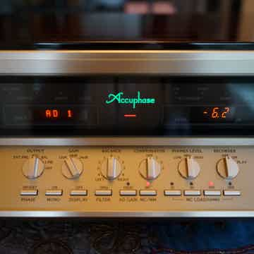 Notice the controls for the phono module option