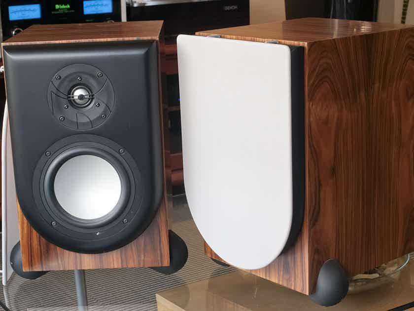 RevelPerforma M20 Revel Performa Bookshelf Speakers