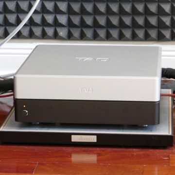 Evolution M2500 Amplifier