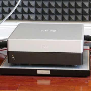 TAD  Evolution M2500 Amplifier