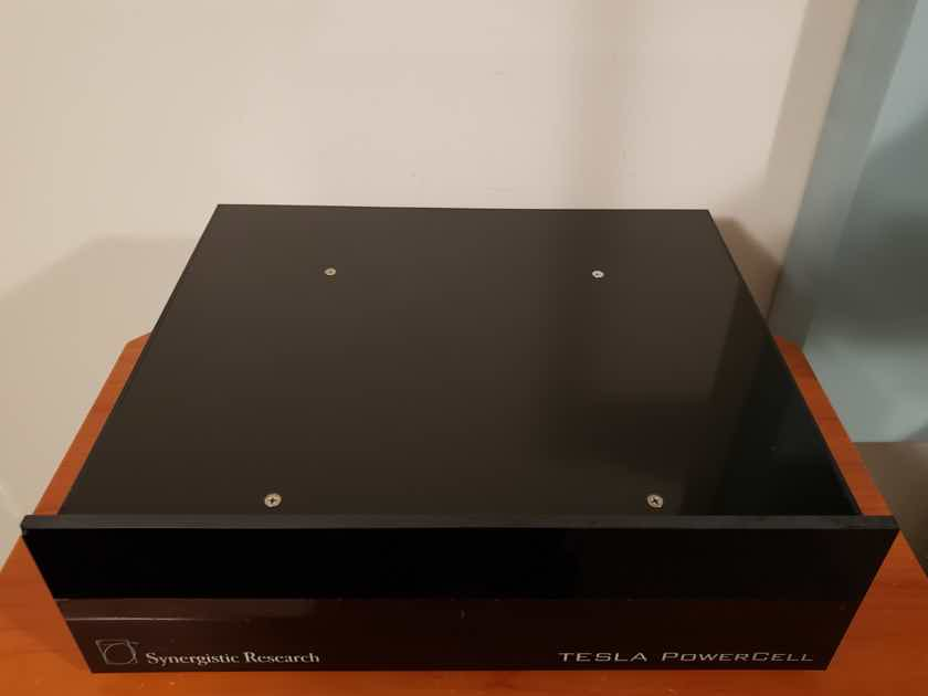 Synergistic Research Tesla Powercell 10 power Conditioner