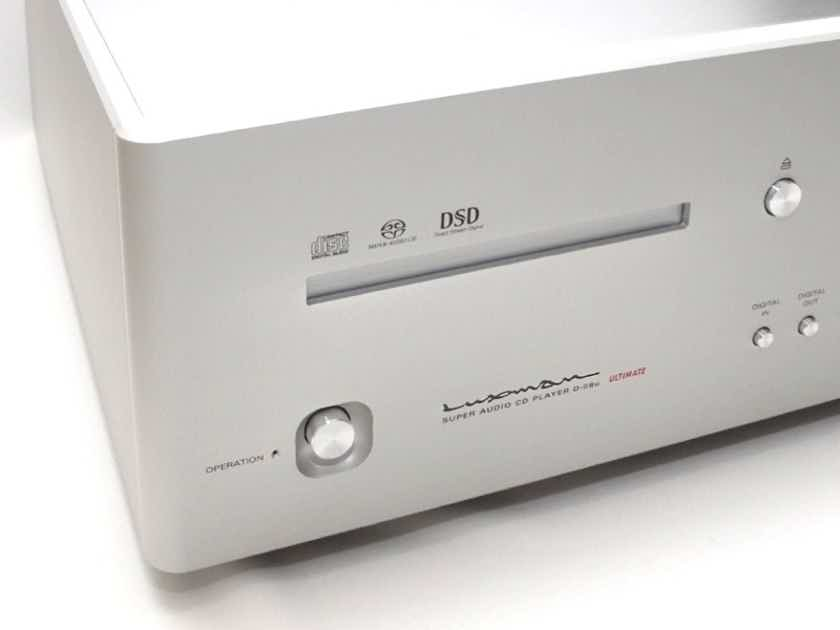 Luxman D-08u as new condition.