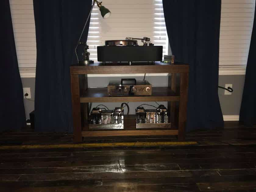 TimberNation New Model Walnut  Stereo Hi-End Rack