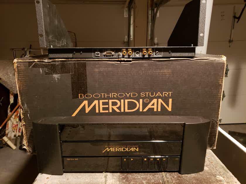 Meridian CD Player  800 Rack Mount