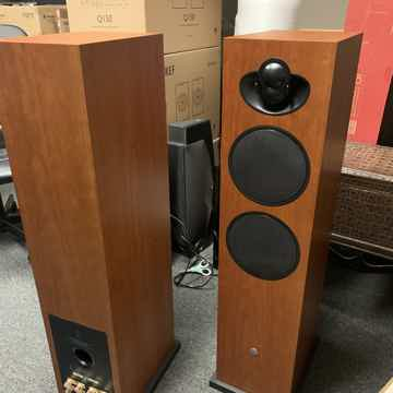 Linn Majik 140 towers excellent condition original boxes