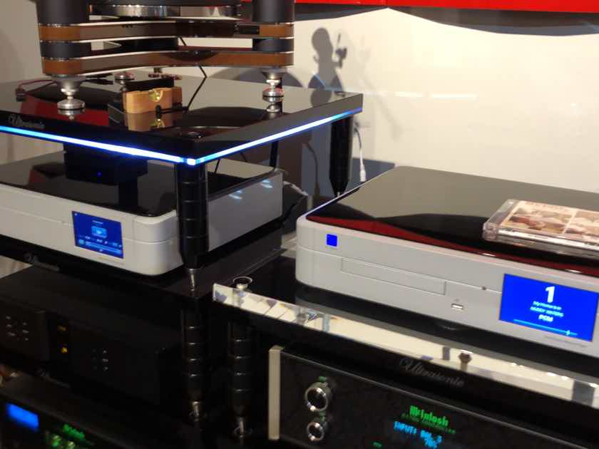 PS Audio PerfectWave DirectStream DSD Dac silver finish