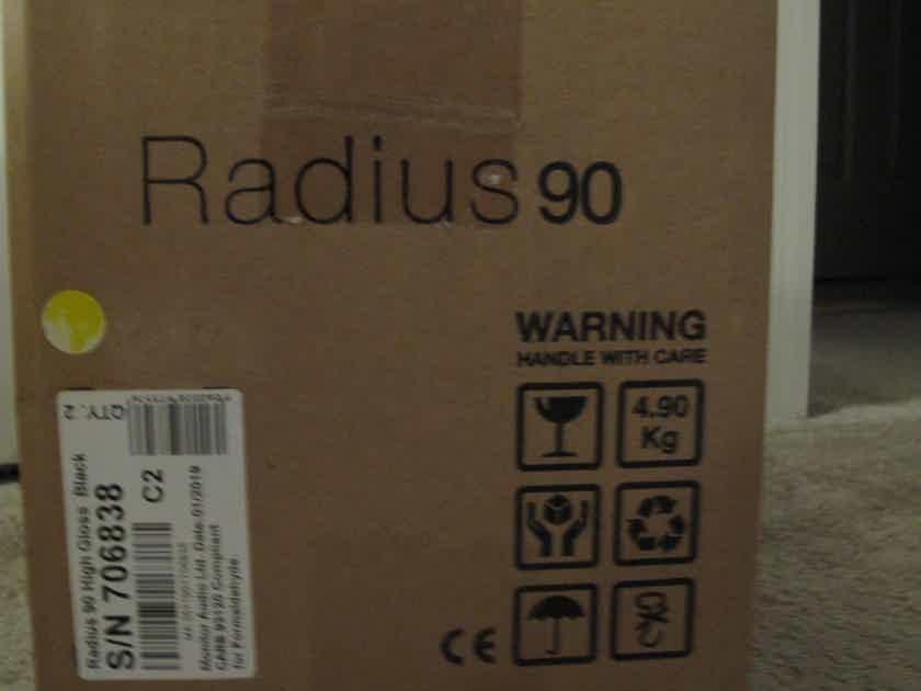 Monitor Audio - Radius 90 (Pair) - High Gloss Black Color