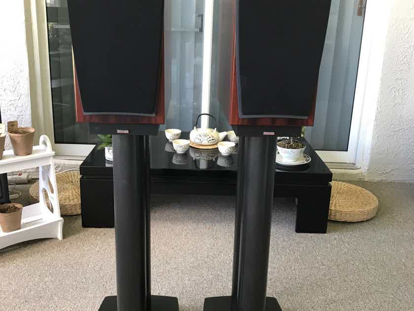 Dynaudio Contour S1.4 Stands Included