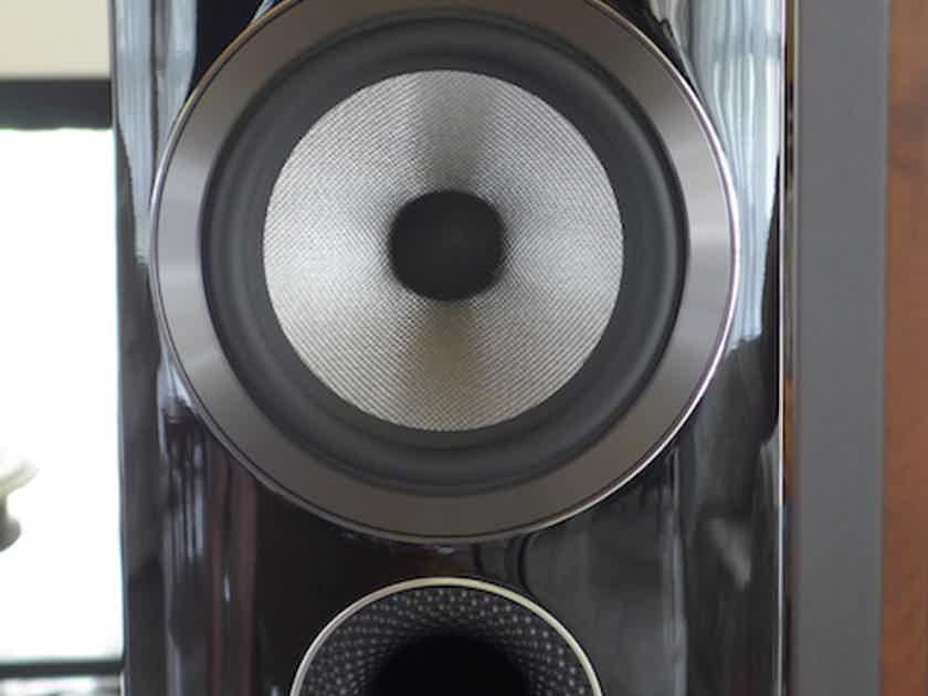 B&W (Bowers & Wilkins) 805D3 Black Gloss 1 month old