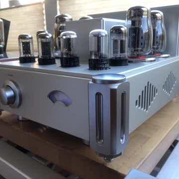 Silhouette Reference Mono Tube Amplifiers