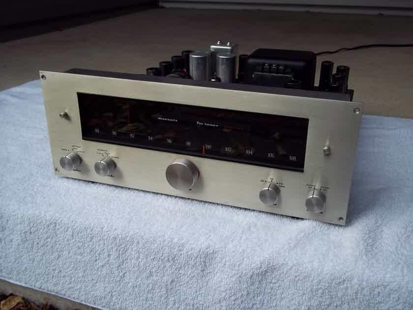 Marantz 10B Tuner Classic FM tube tuner.